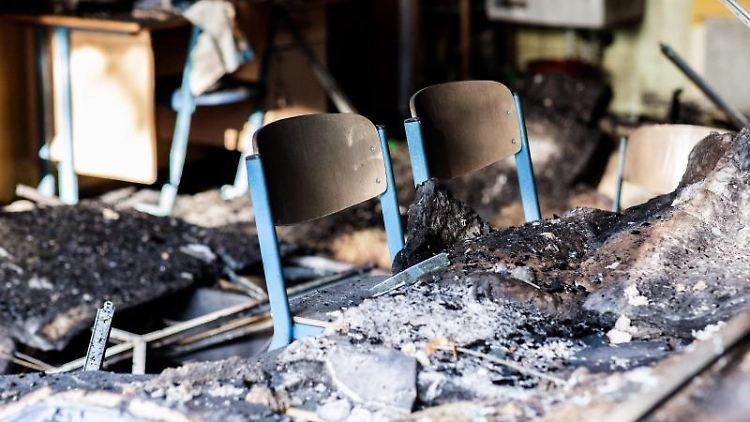 Völlig durch ein Feuer zerstört ist ein Klassenraum der Grundschule Sandheide. Foto: Marcel Kusch/Archiv