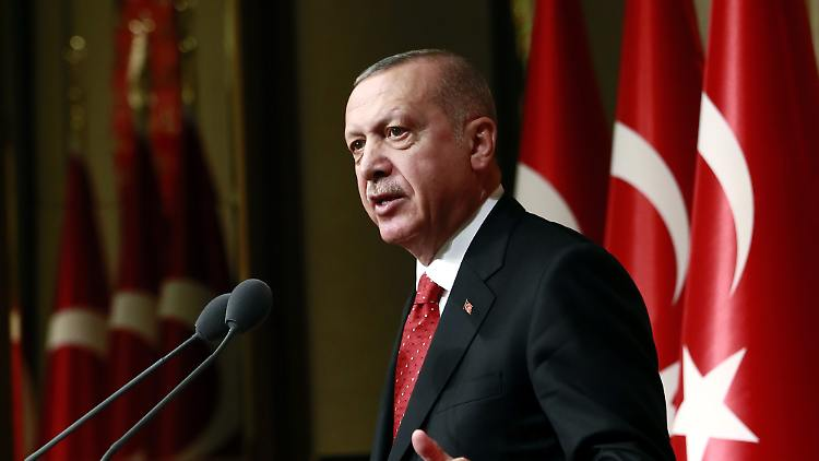 Recep Tayyip Erdogan (Türkei): S-400-Kauf von Russland ein