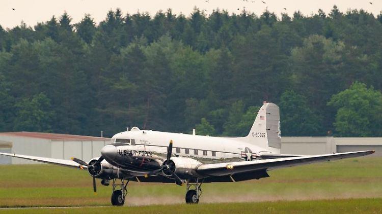 Eine Historische Douglas DC-3, auch bekannt als