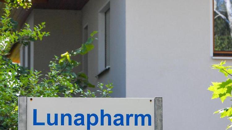 Das Gebäude der Lunapharm Deutschland GmbH. Foto: Patrick Pleul/Archivbild