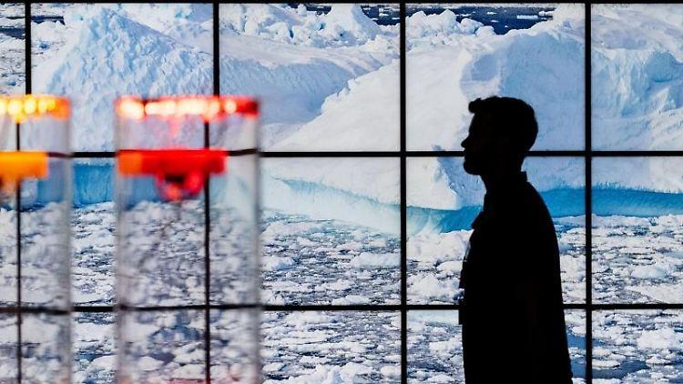 Das Eismeer als Display zum Thema Klimawandel ist auf der IdeenExpo auf dem Messegelände in Hannover zu sehen. Foto:PeterSteffen