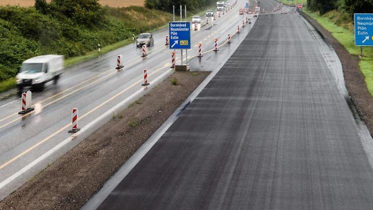 Ein neues Teilstück der Autobahn A21 ist zu sehen. Foto:MarkusScholz/Archivbild