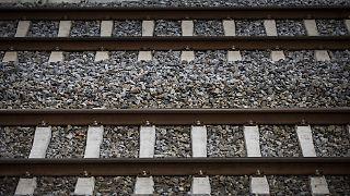 Ob der Fahrer den Zug kommen sah, ist unklar.
