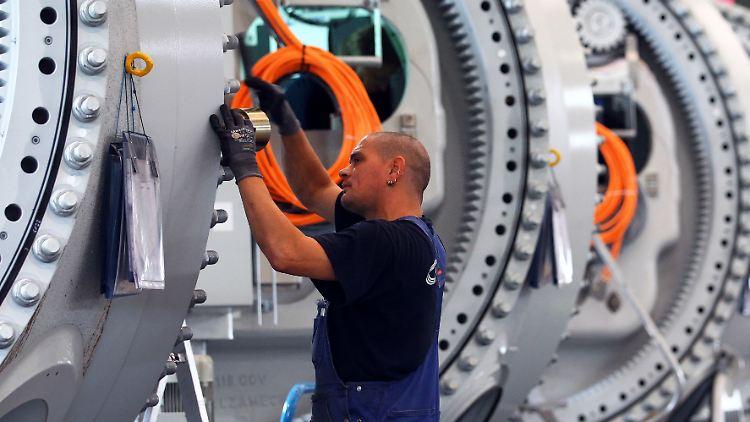 Maschinenbau im August: 17 Prozent Auftragseinbruch | Markt&Technik