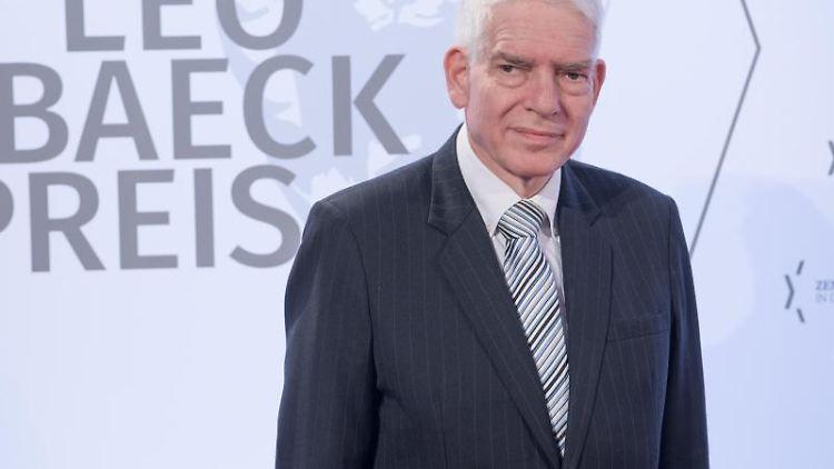 Josef Schuster, Präsident des Zentralrates der Juden in Deutschland, kommt zur Verleihung des Leo-Baeck-Preises 2019. Foto:Jörg Carstensen/Archiv