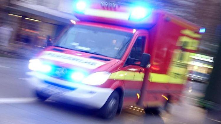 Ein Rettungswagen im Einsatz. Foto: Katharina Redanz/Archivbild