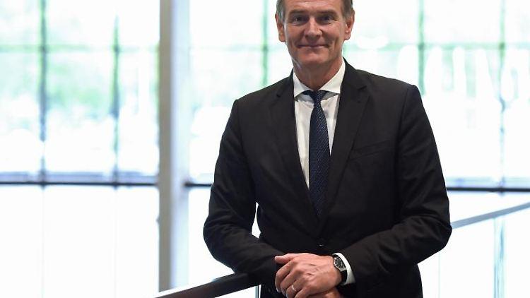 Burkhard Jung (SPD), Oberbürgermeister der Stadt Leipzig und neuer Präsident des Städtetages. Foto: Caroline Seidel/Archivbild