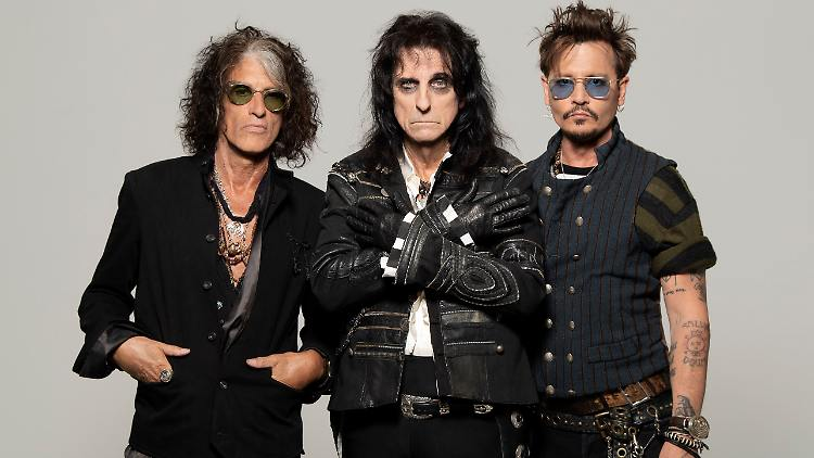 Hollywood Vampires_Rise_press pictures_copyright earMUSIC_credit Ross Halfin_colour 11.jpg