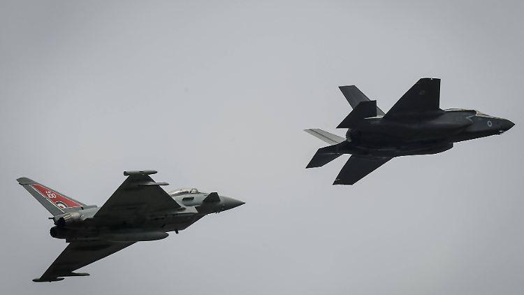 Frau randaliert: Eurofighter eskortieren Flieger nach London - Panorama