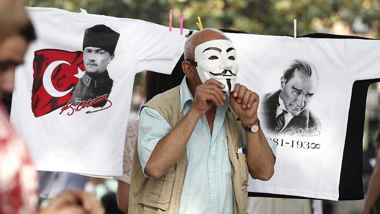 Prozess gegen türkischen Intellektuellen Kavala beginnt