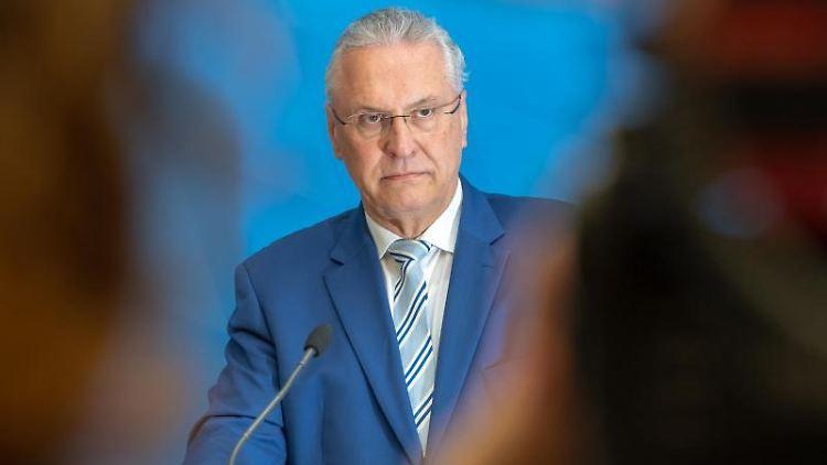 Joachim Herrmann (CSU), Innenminister von Bayern. Foto: Peter Kneffel/Archivbild