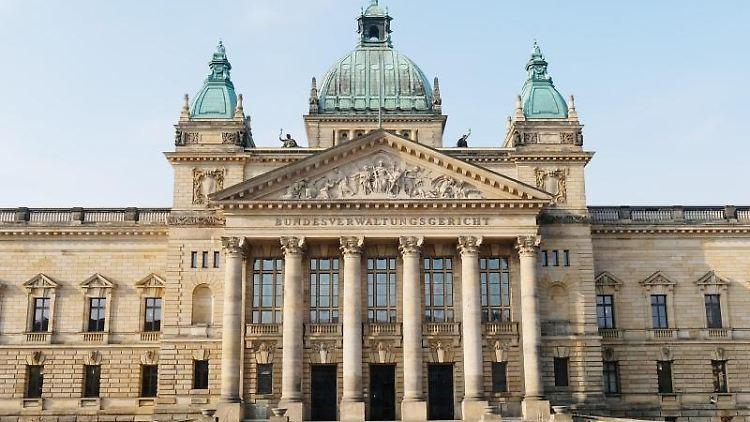 Das Portal des Bundesverwaltungsgerichtes. Foto: Sebastian Willnow/Archiv