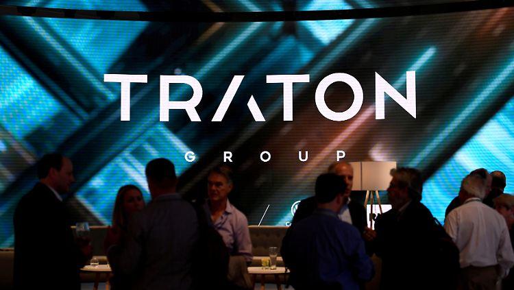 VW-Tochter Traton mit verhaltenem Börsendebüt - Politik