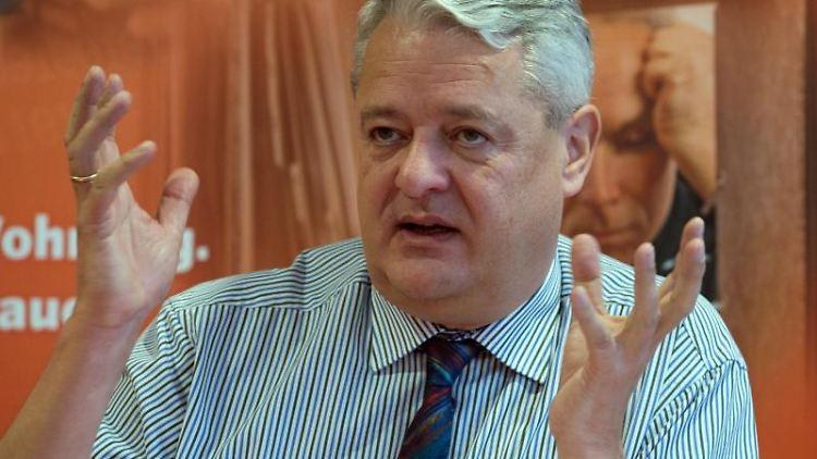 Der Thüringer Datenschutzbeauftragte Lutz Hasse. Foto: Sebastian Kahnert/Archivbild