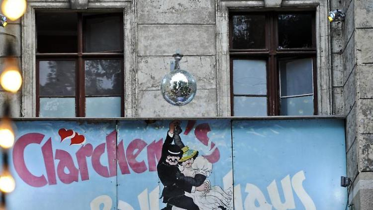 Außenansicht von Clärchens Ballhaus in Berlin. Foto:Ole Spata/Archiv