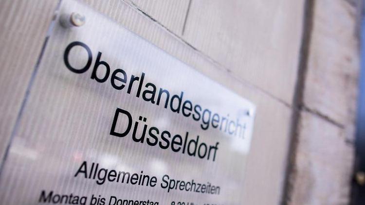 Blick auf den Eingang zum Oberlandesgericht. Foto: Rolf Vennenbernd/Archivbild