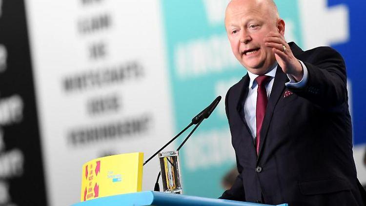 Michael Theurer spricht beim 70. FDP-Bundesparteitag. Foto: Britta Pedersen/zb/Archiv