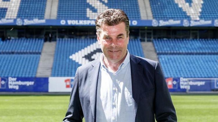 Dieter Hecking, Trainer des Zweitligisten Hamburger SV.Foto:Markus Scholz/Archivbild