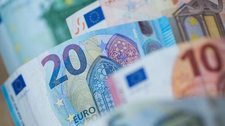 Euro-Geldscheine. Foto: Daniel Karmann/Archiv
