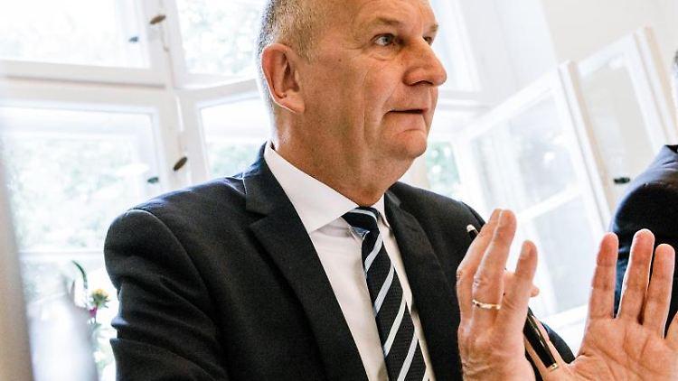 Dietmar Woidke (SPD), Ministerpräsident von Brandenburg, bei der Bilanz-Pk der rot-roten Landesregierung in Brandenburg. Foto: Carsten Koall