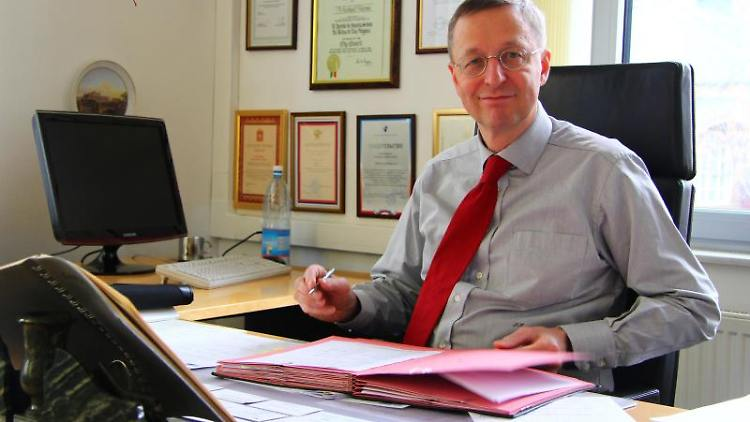 Michael Harms in seinem Büro. Foto: Thomas Körbel/Archivbild