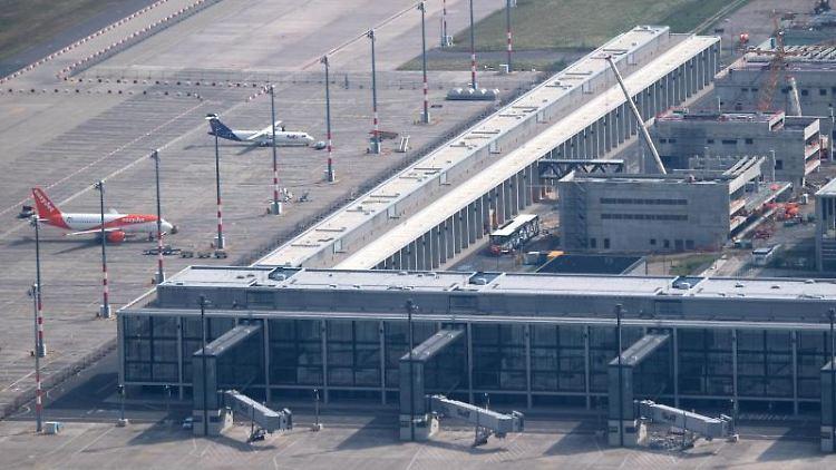 Bauarbeiten am Hauptstadtflughafens BER in Schönefeld. Foto: Ralf Hirschberger/Archivbild