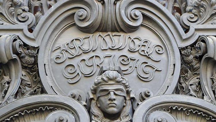 Der Eingang des Kriminalgerichts in Moabit. Foto: Britta Pedersen/Archivbild