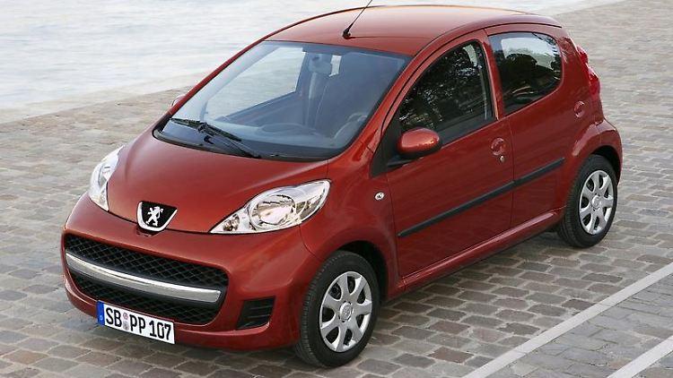 Die ADAC-Mängelliste für den Peugeot 107 ist recht kurz. Gleiches gilt für die nahezu baugleichen Modelle Toyota Aygo und Citroën C1. (Bild: Peugeot/dpa/tmn)