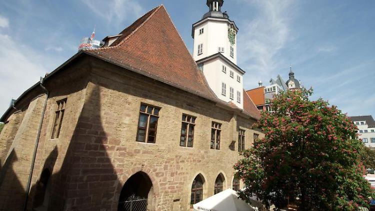Das Rathaus am Marktplatz in Jena. Foto: Peter Endig/Archivbild