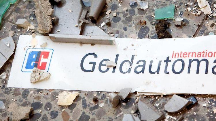 Splitter und ein Schild mit der Aufschrift