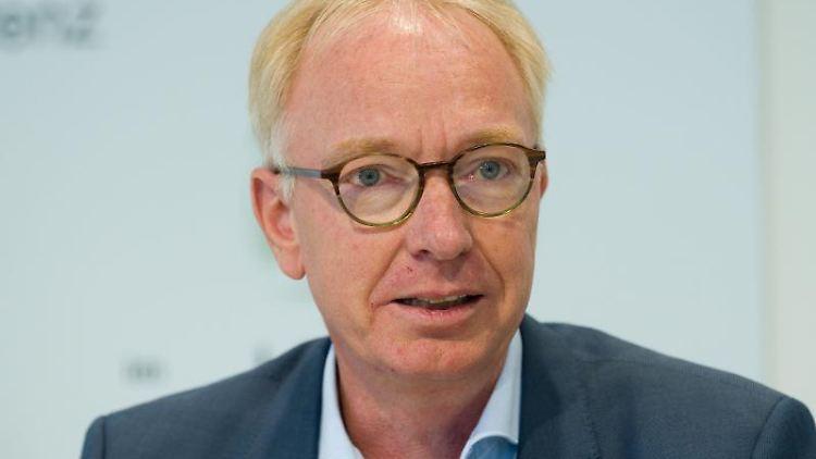 NDR-Journalist und Vorsitzender der Landespressekonferenz, Thorsten Hapke. Foto: Julian Stratenschulte/Archivbild
