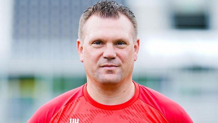 SV Sandhausens Trainer Uwe Koschinat. Foto: Uwe Anspach/Archivbild