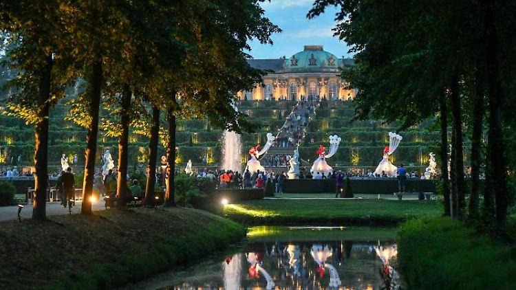 Schloss Sanssouci während der Potsdamer Schlössernacht. Foto: Jens Kalaene