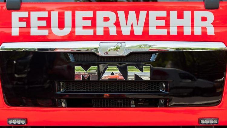 Ein Einsatzfahrzeug der Feuerwehr. Foto: Hauke-Christian Dittrich/Archivbild