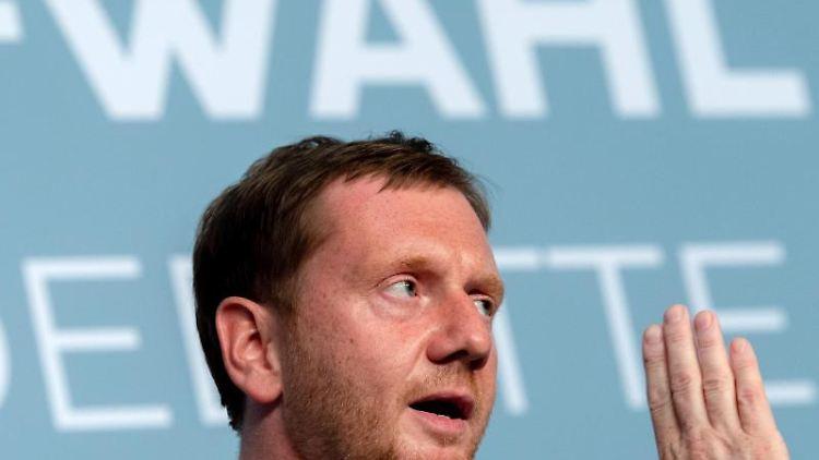 Michael Kretschmer (CDU) spricht während einer Podiumsdiskussion am Mittwoch. Foto: Robert Michael