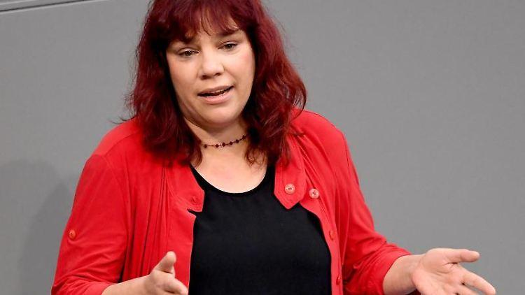 Katrin Werner (Die Linke) spricht im Bundestag. Foto: Britta Pedersen/Archivbild