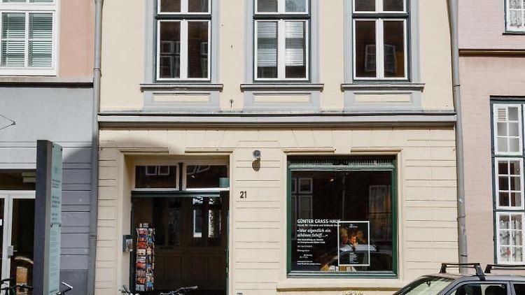Die Fassade des Museums Günter-Grass-Haus ist zu sehen. Foto: Markus Scholz/Archivbild