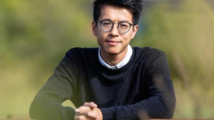Ray Wong, ehemals Aktivist in Hongkong und seit 2018 als politischer Flüchtling in Deutschland anerkannt. Foto: Swen Pförtner/Archivbild
