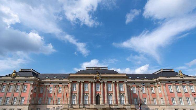 Blick auf das wiederaufgebaute Stadtschloss, Sitz des Brandenburger Landtags. Foto: Monika Skolimowska/Archivbild