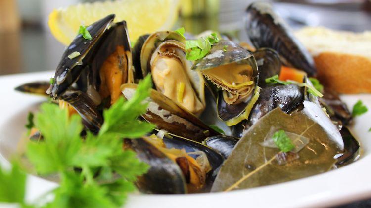 Muscheln in Gemüse-Weißwein-Sauce.jpg