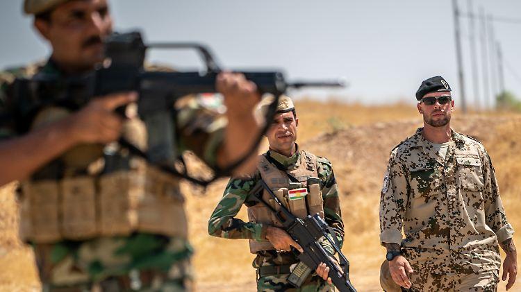 Trump droht Irak wegen Entscheidung zu US-Truppenabzug mit Sanktionen ROUNDUP
