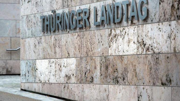 Der Thüringer Landtag in Erfurt. Foto: Arno Burgi/Archivbild