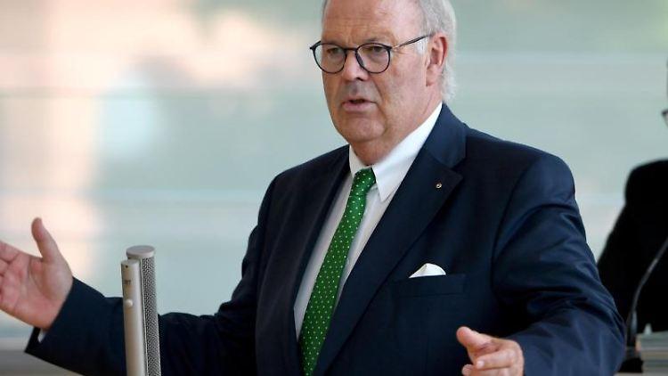 Hans-Joachim Grote (CDU), Innenminister von Schleswig-Holstein. Foto: Carsten Rehder/Archiv