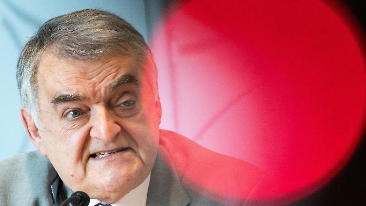 Herbert Reul (CDU), Innenminister von Nordrhein-Westfalen. Foto: Federico Gambarini/Archiv