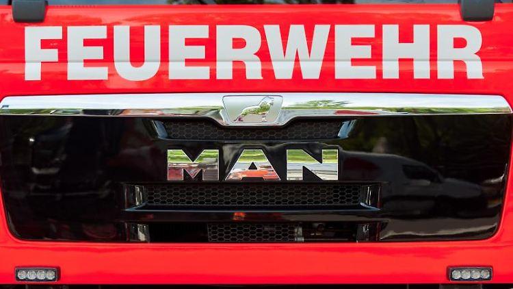 EinBlick auf einen Einsatzwagen der Feuerwehr.Foto:Hauke-Christian Dittrich/Archivbild