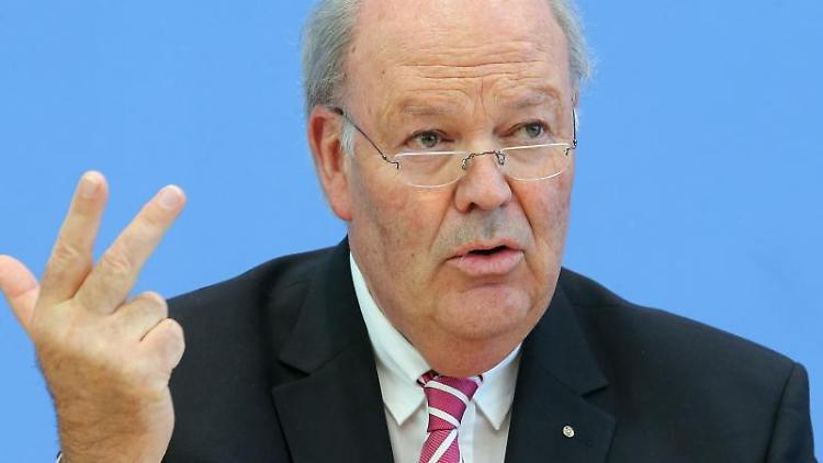 Hans-Joachim Grote (CDU), Innenminister des Landes Schleswig-Holstein. Foto:Wolfgang Kumm/Archivbild