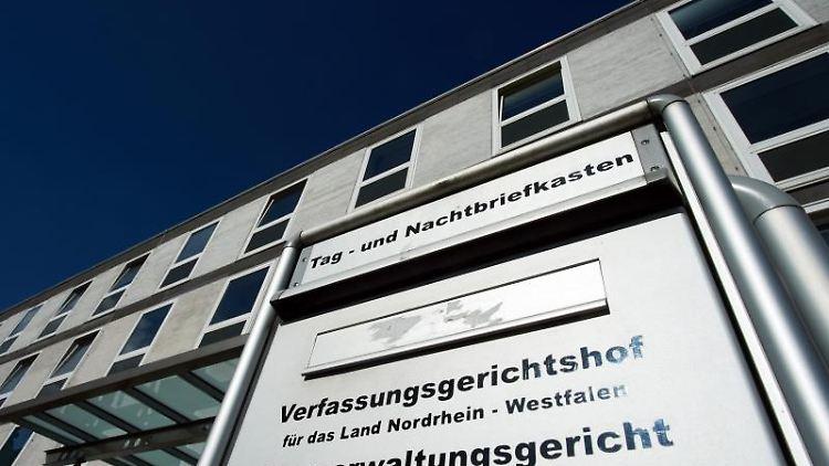 Das Gebäude Oberverwaltungsgerichts und Verfassungsgerichtshofes. Foto:Bernd Thissen/Archivbild
