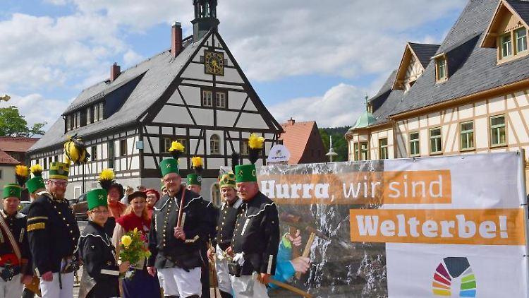 Berg- und Hüttenknappschaften kommen in Olbernhau zusammen, das nun auch Teil des Welterbes ist. Foto: Wolfgang Schmidt/Archivbild