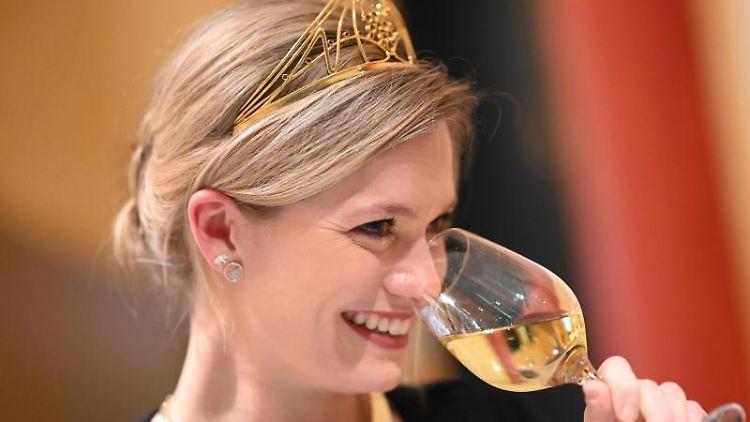 Die Deutsche Weinkönigin 2018/2019, Carolin Klöckner. Foto:Uli Deck/Archivbild