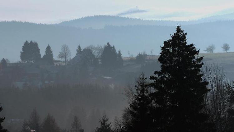 Eine Landschaft des Erzgebirges bei Schönheide. Foto: Hendrik Schmidt/Archivbild